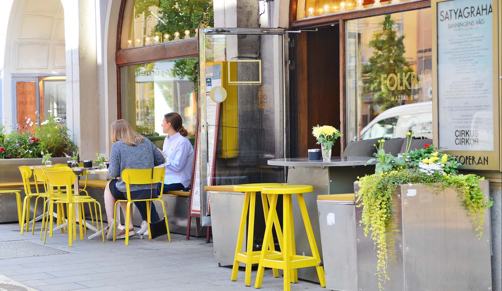 Brännkyrkagatan 34 B, 3 tr - Mysiga restauranger, barer och caféer finns det gott om