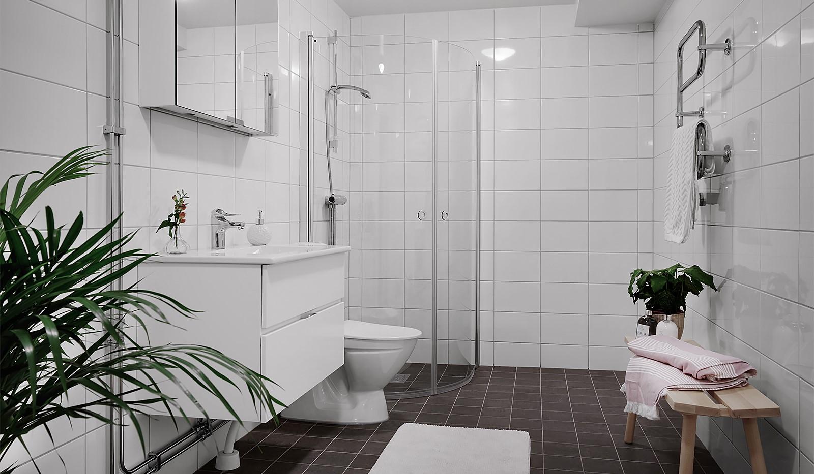Jenny Nyströms gata 12 - Helkaklat badrum