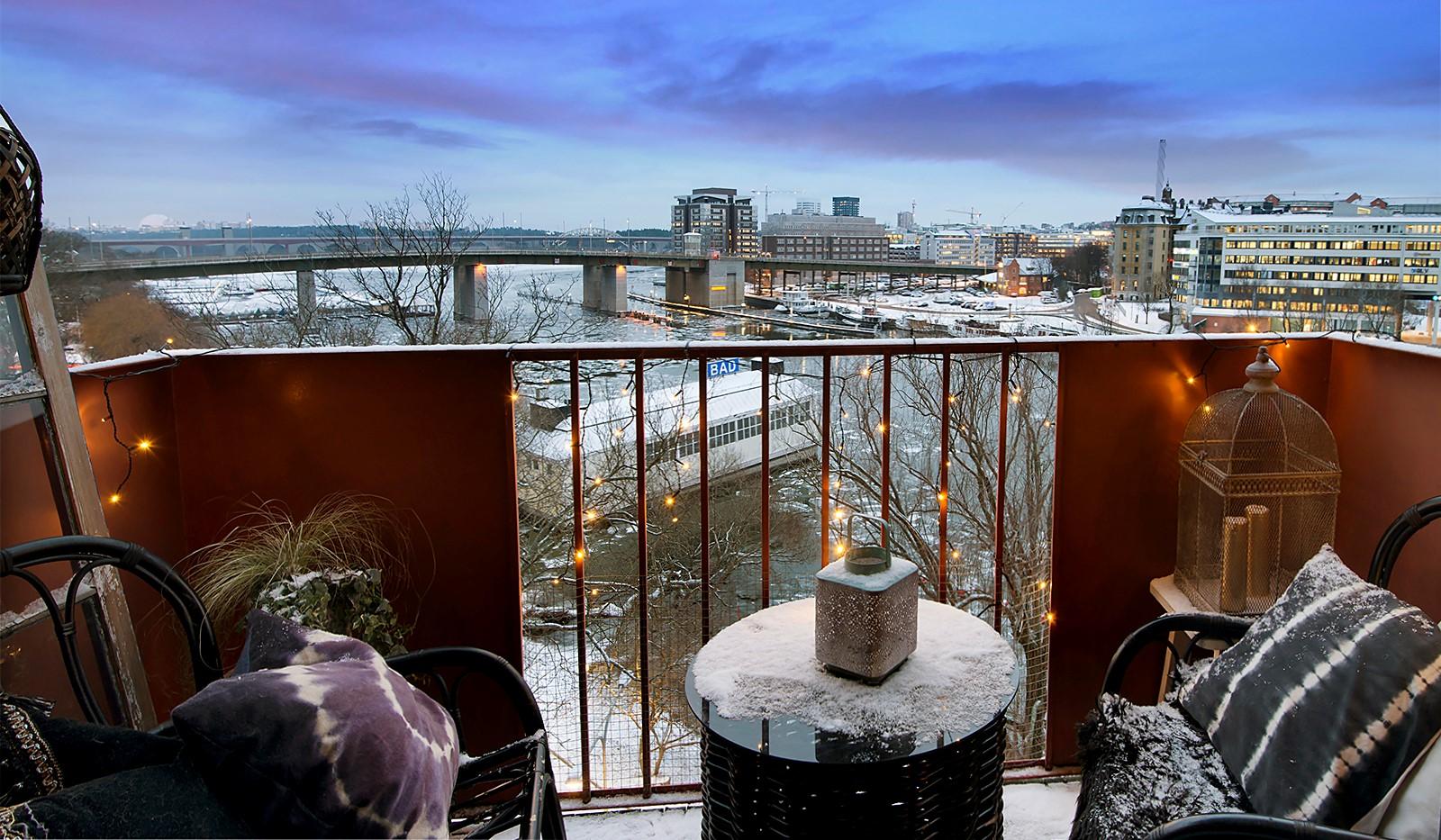 Bergsunds Strand 31, 5 tr, Accepterat pris - Fantastisk utsikt från balkongerna. Njut av solen och vattnet med en god måltid sommartid