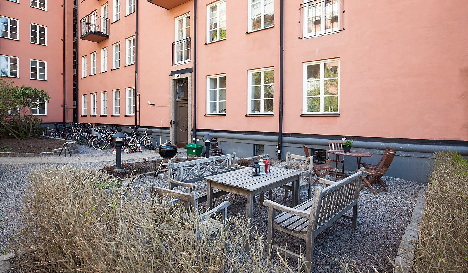 Heleneborgsgatan 26, 1 tr - Föreningens fina gård...
