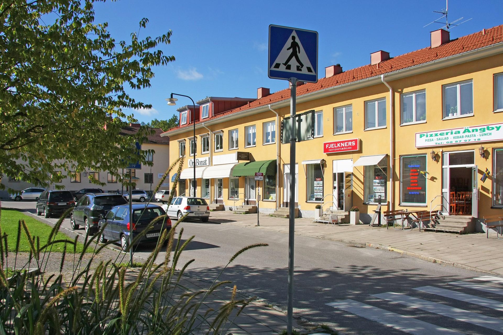 Affärslänga vid Ängby Torg
