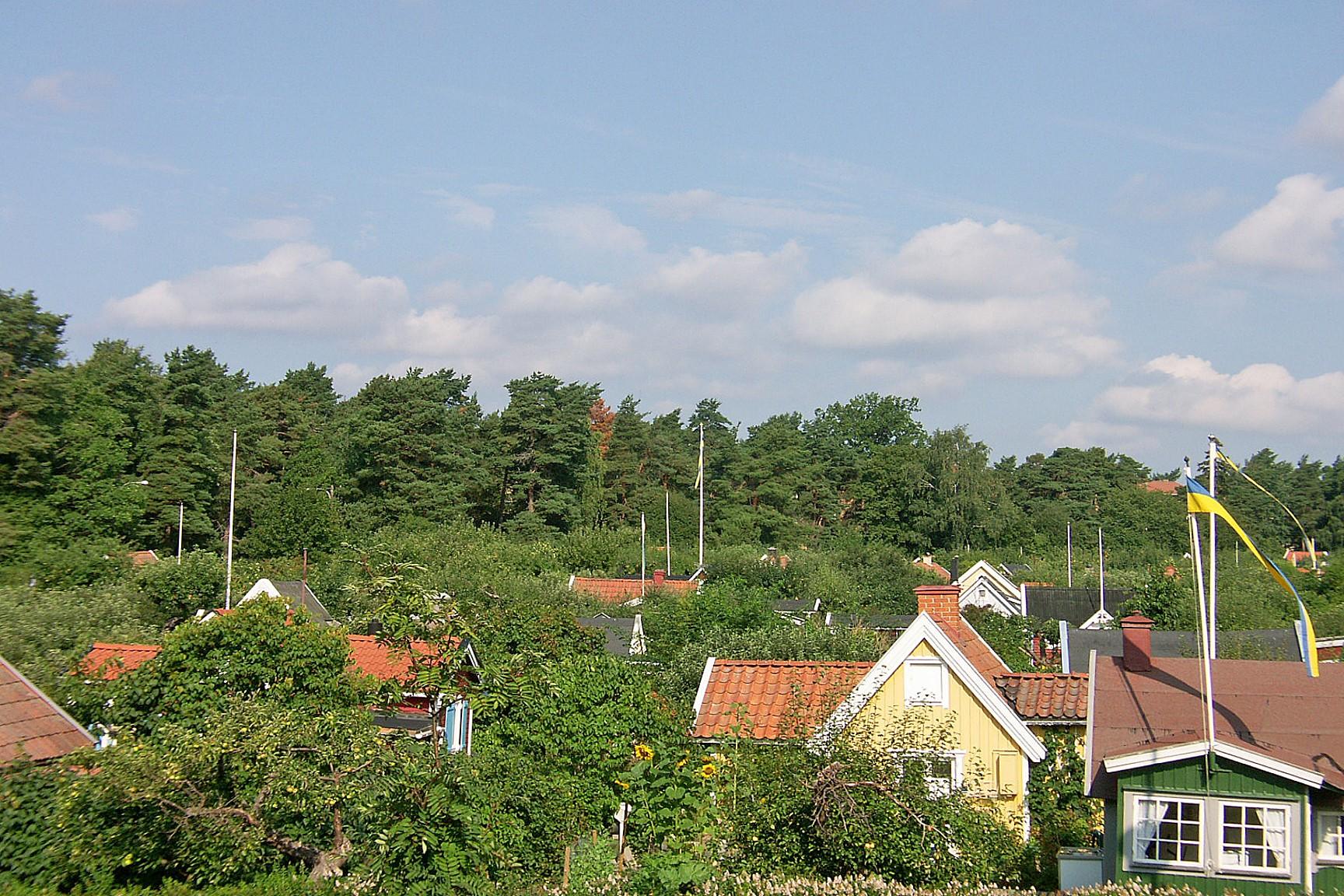 Granne med koloniträdgårdarna
