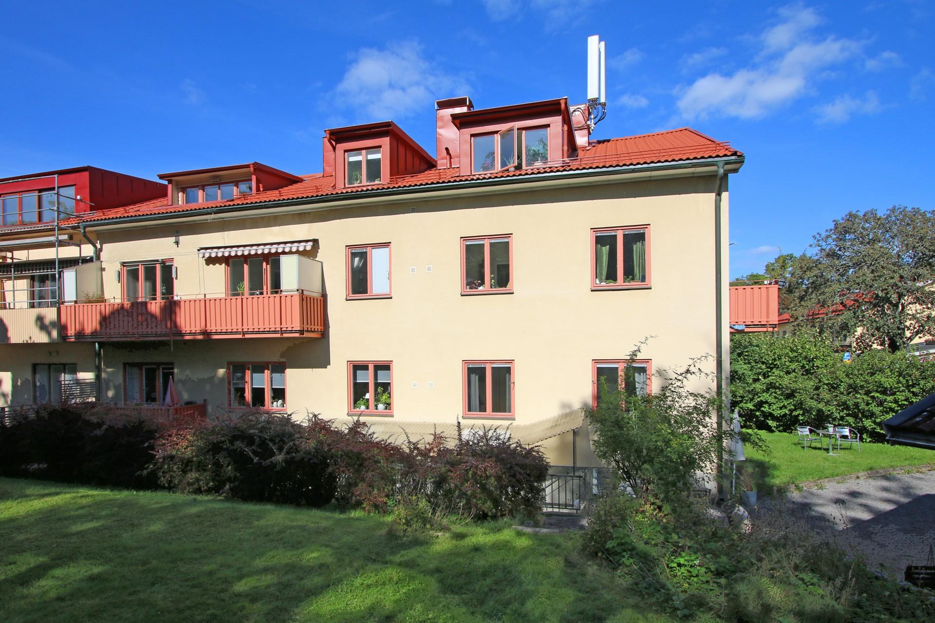 Ängby Torg 16-55