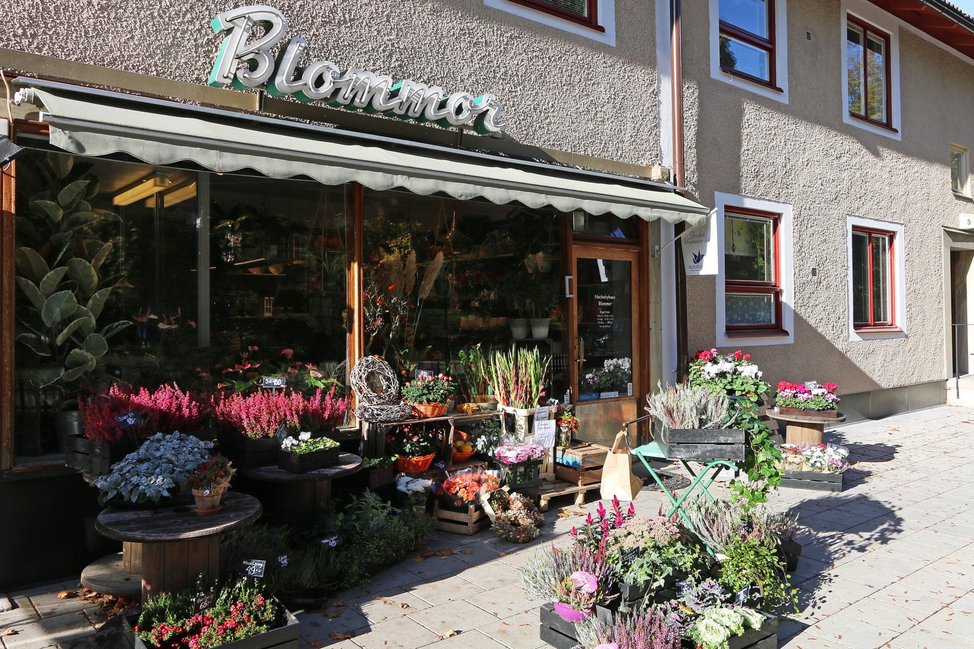 Blomsteraffär bredvid Garpes