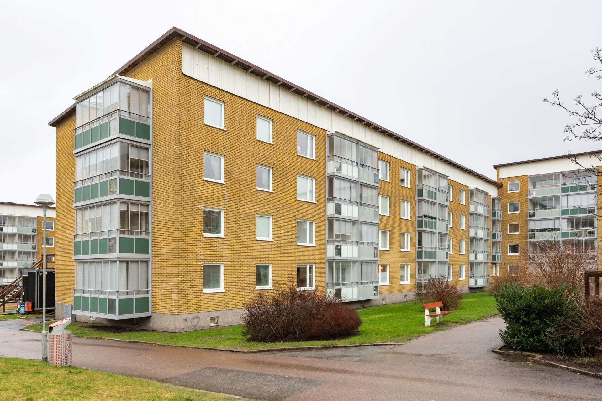 Övre Hallegatan 24