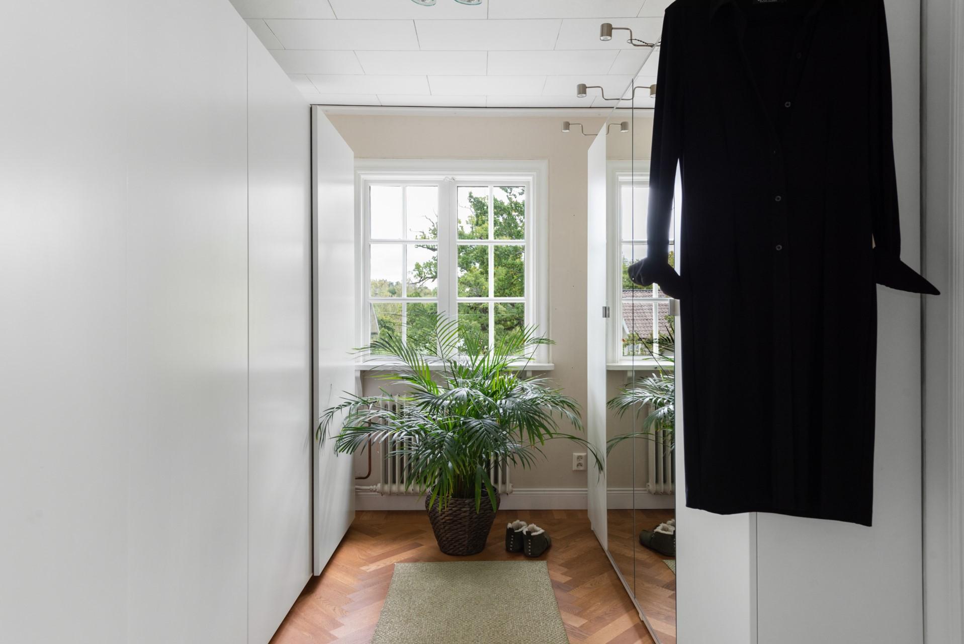 Dressingroom, alt. sovrum 4
