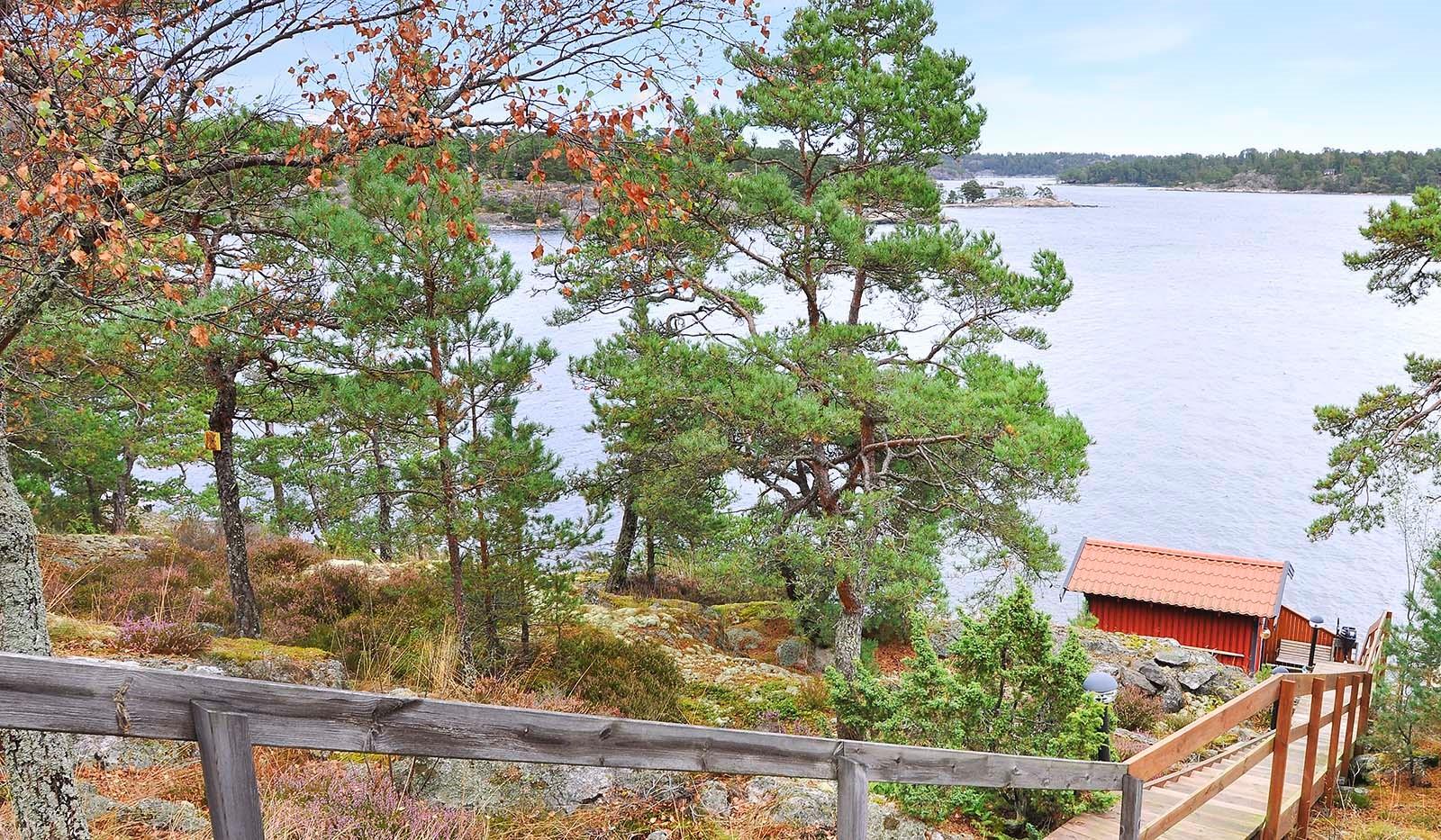 Smådalarö/ Kalvholmen/Gränö - Ner till bryggan!