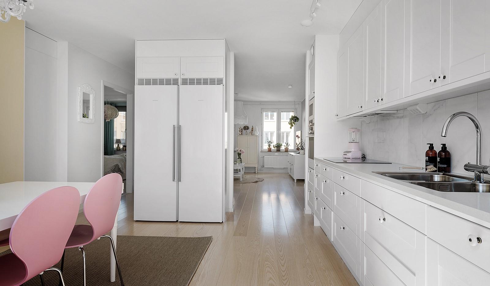 Ekfatsgatan 4, 6 tr - Fullt utrustat kök, mot vardagsrum