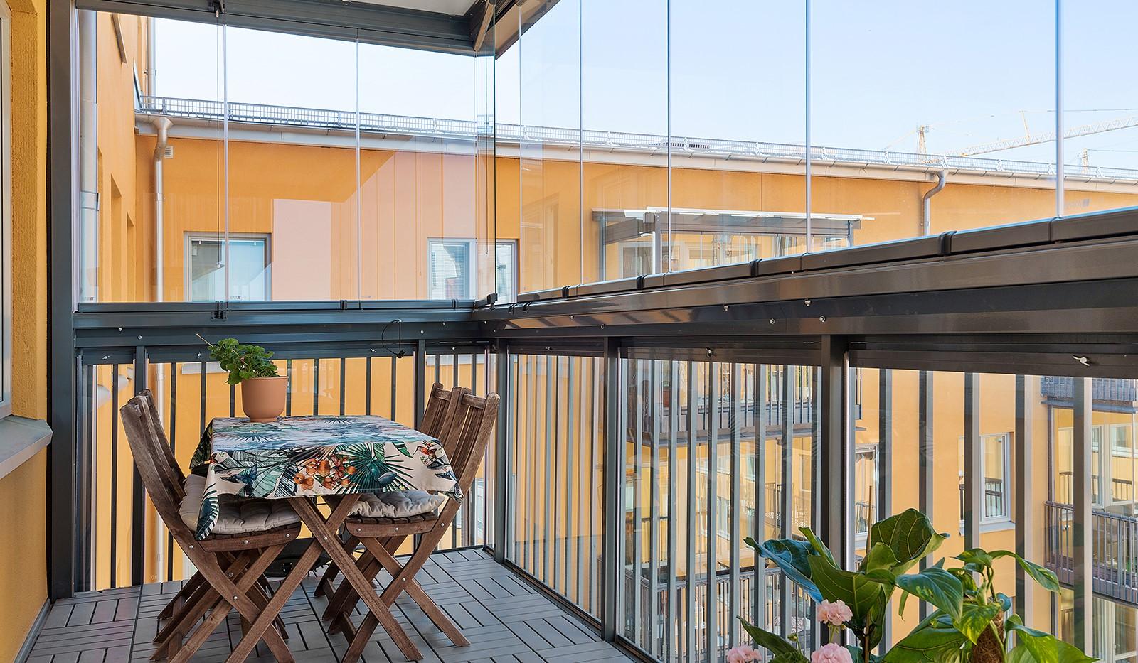 Ekfatsgatan 4, 6 tr - Plats för matbord och loungedel