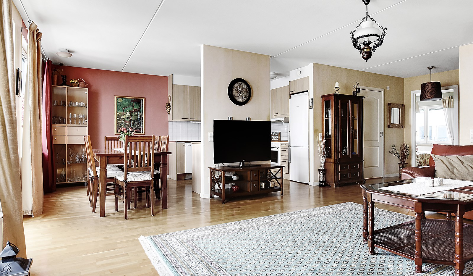 Vinodlargatan 2, 6 tr - Öppen planlösning mellan kök och vardagsrum