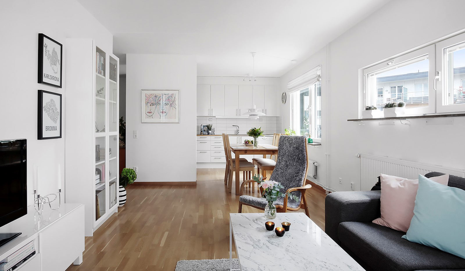 Hildebergsvägen 4, 3 tr - Vardagsrum mot kök