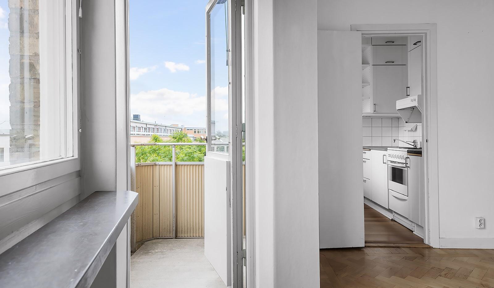 Wennerbergsgatan 6B, 5 tr - Utgång till balkong från vardagsrum