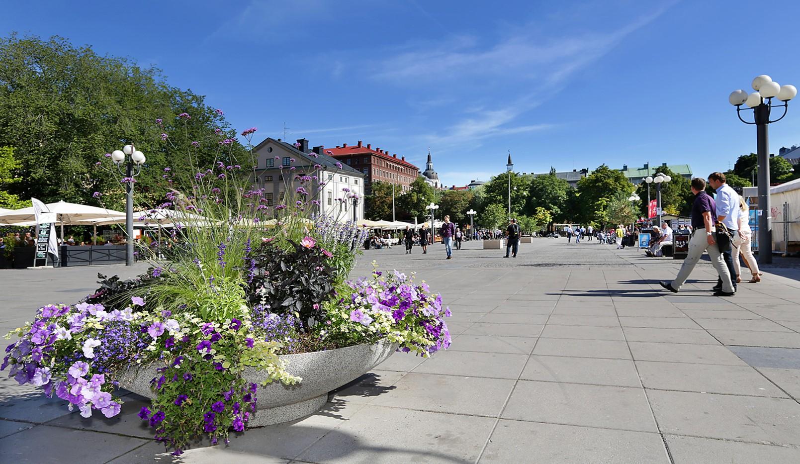 Fatburstrappan 12, 4 tr - Medborgarplatsen mot Katarinakyrkan
