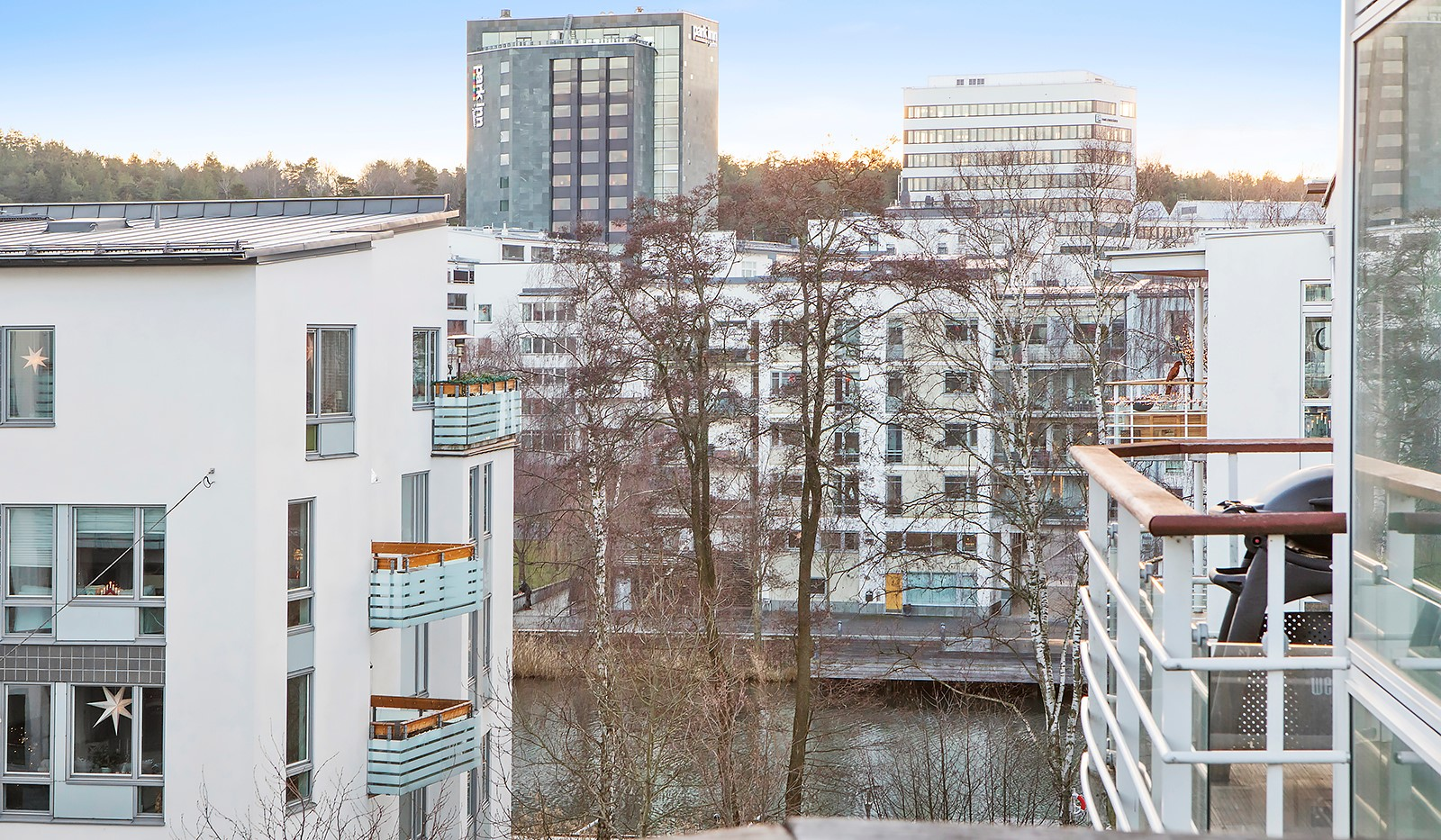 Sickla kanalgata 67, 3 tr - Från balkongen har man än härlig vy över Sickla Kanal