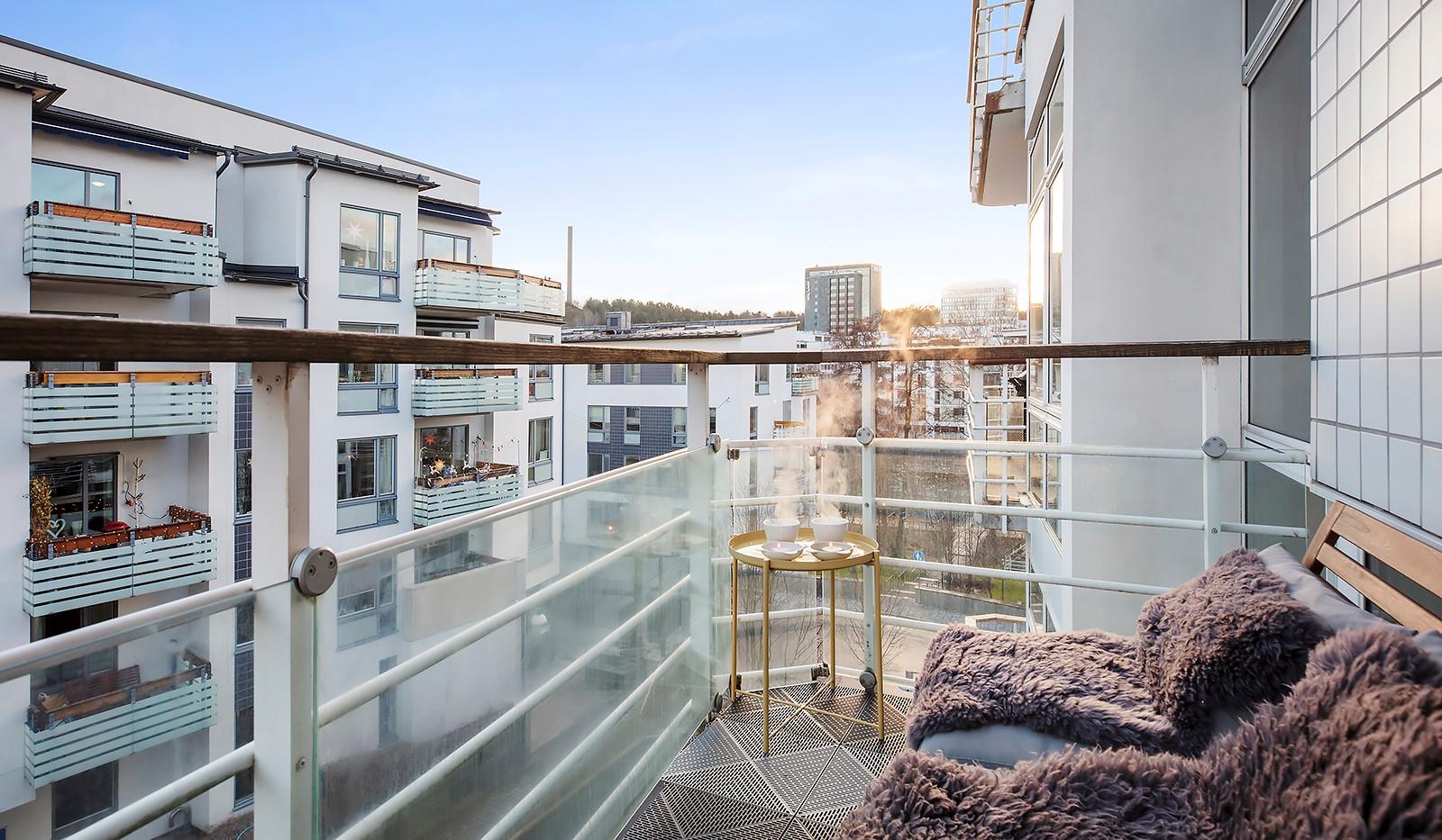Sickla kanalgata 67, 3 tr - Möblerbar balkong i lugnt område