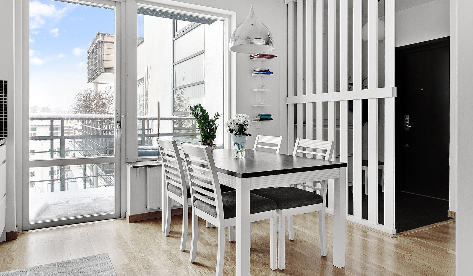 Konvojgatan 1, vån 6 - Trevlig matplats för hela familjen