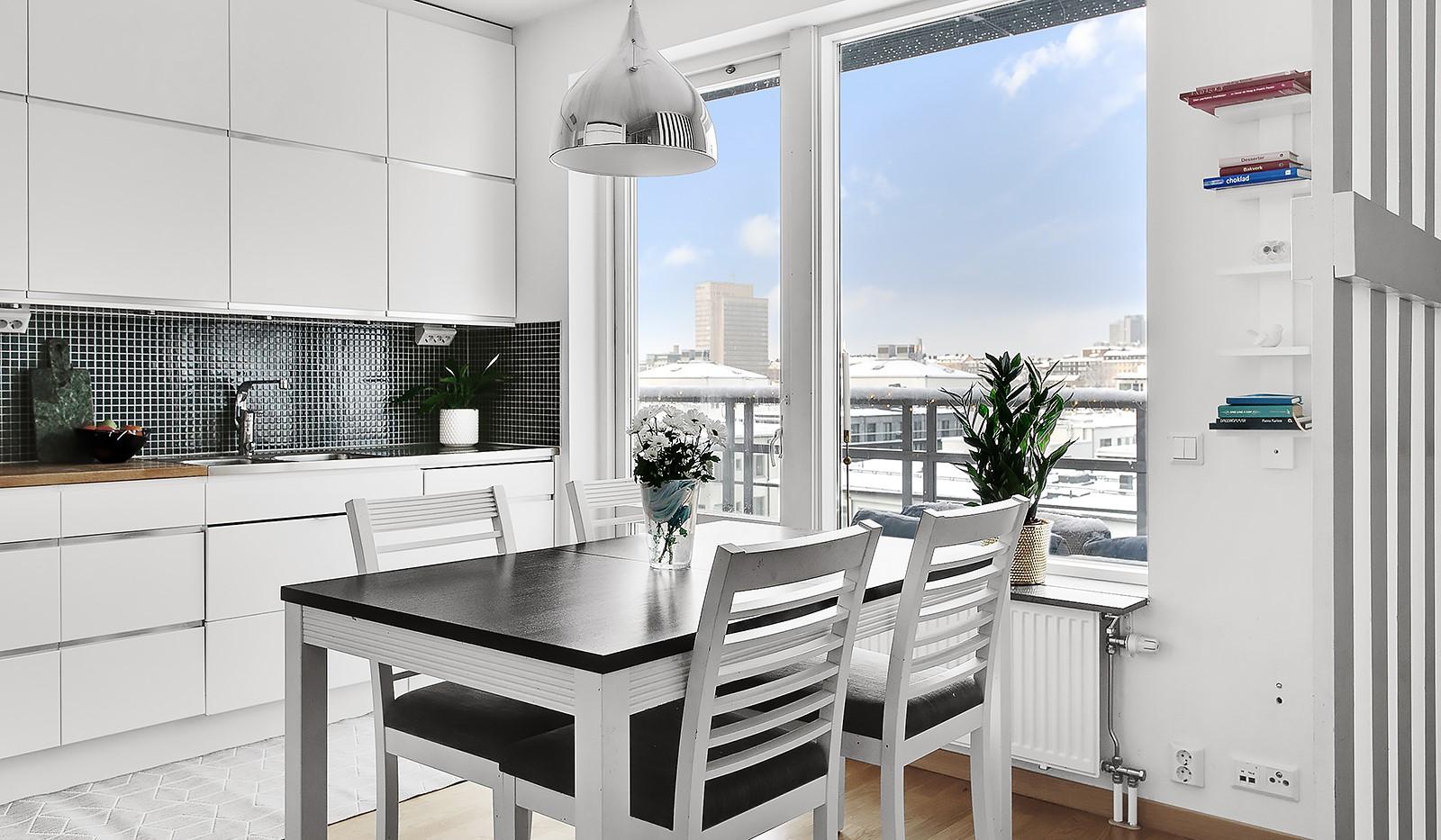 Konvojgatan 1, vån 6 - Modernt kök med plats för matbord
