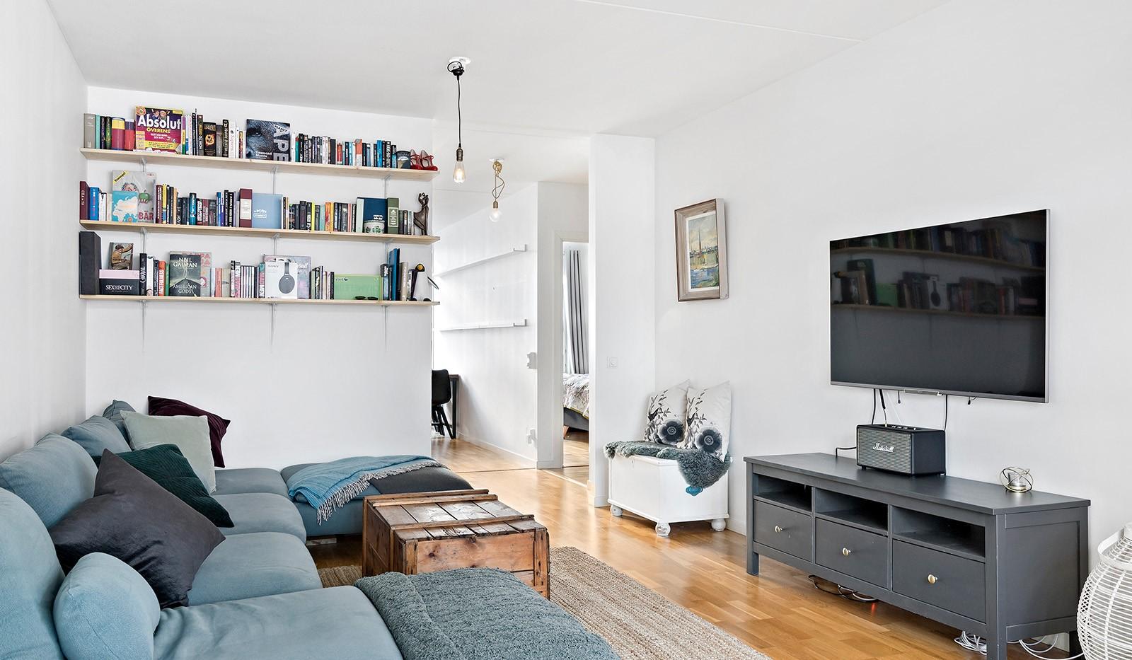 Redargatan 8, vån 4 - Trevligt och lättmöblerat vardagsrum