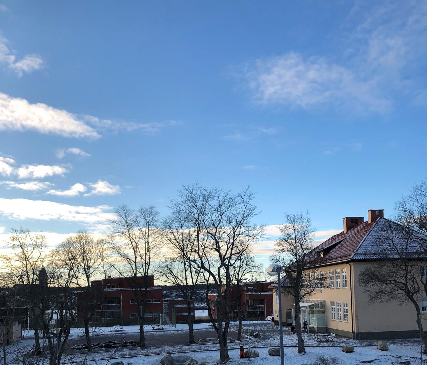 Sundbyvägen 13 - Lugnt och soligt.