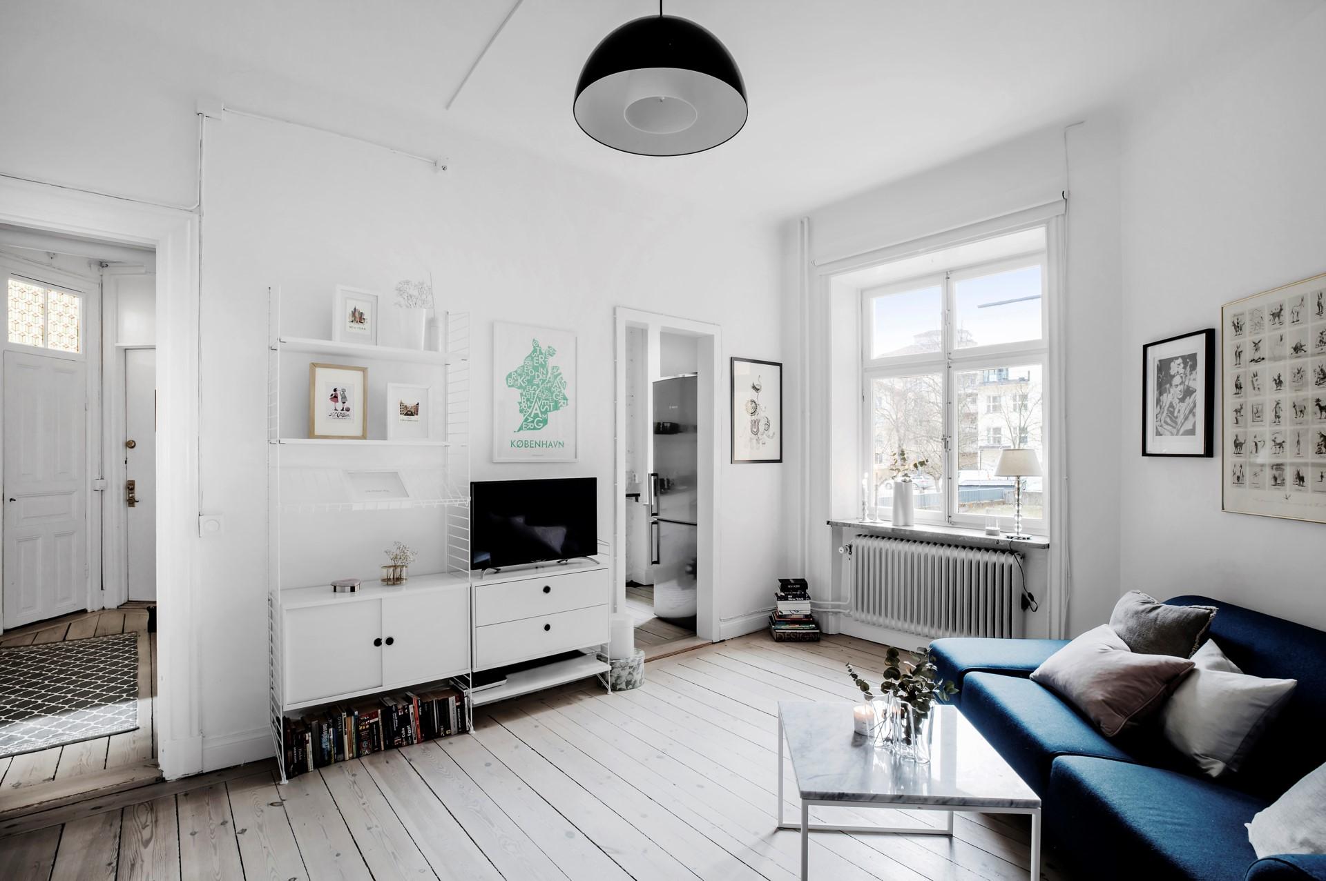 Hornsgatan 89, 2tr ÖG - Vackert rum med öppning till kök och hall