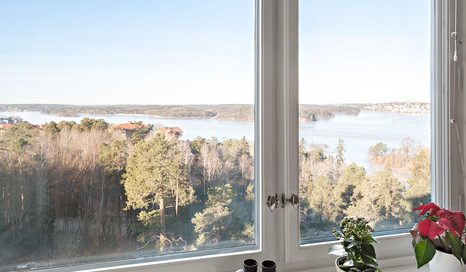Klubbacken 39, 3 tr - Utsikt från sovrum