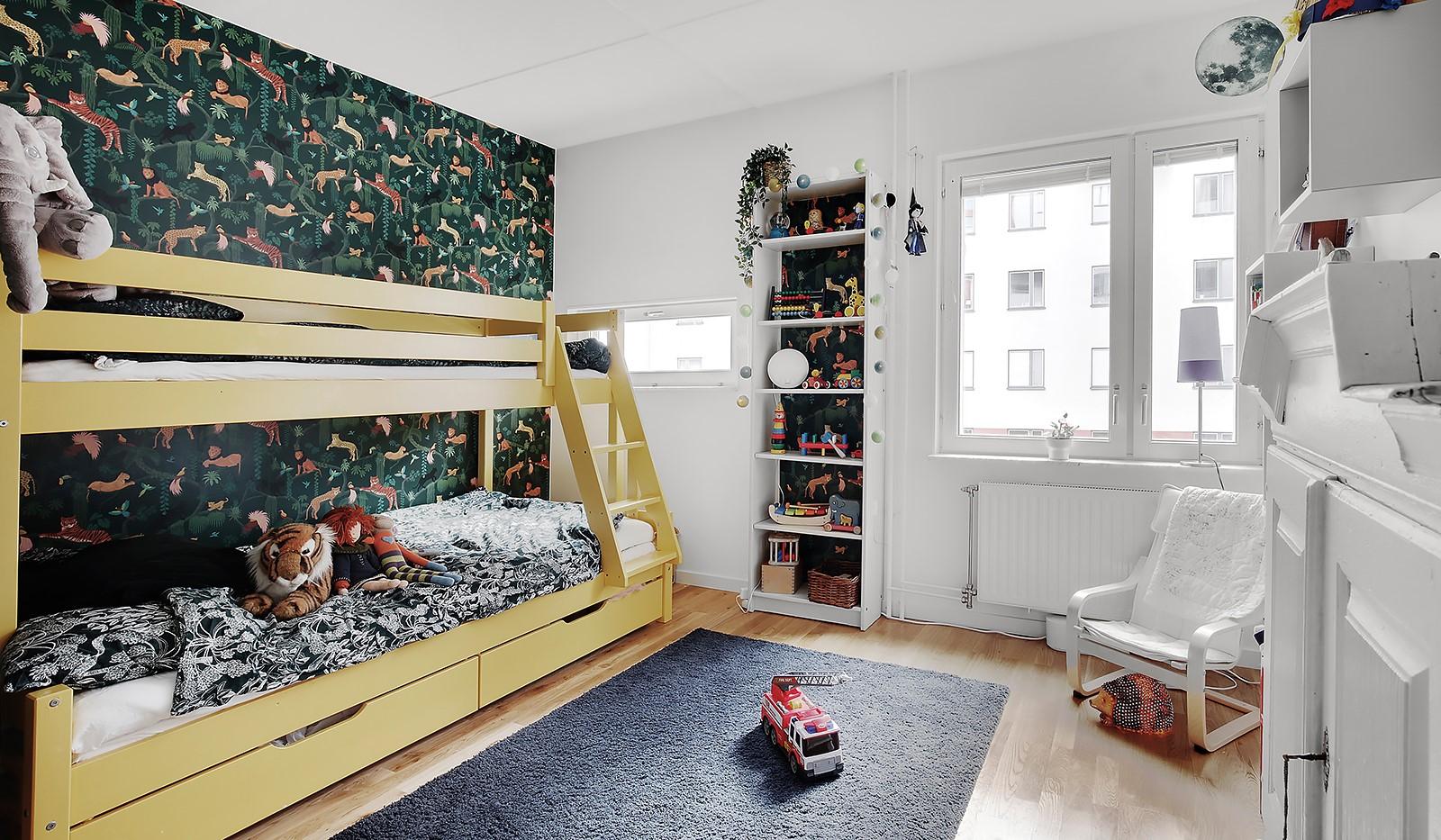 Vingårdsgatan 5, 3 tr - Ytterligare ett rejält sovrum. Även detta sovrum vetter mot innergården precis som de övriga.