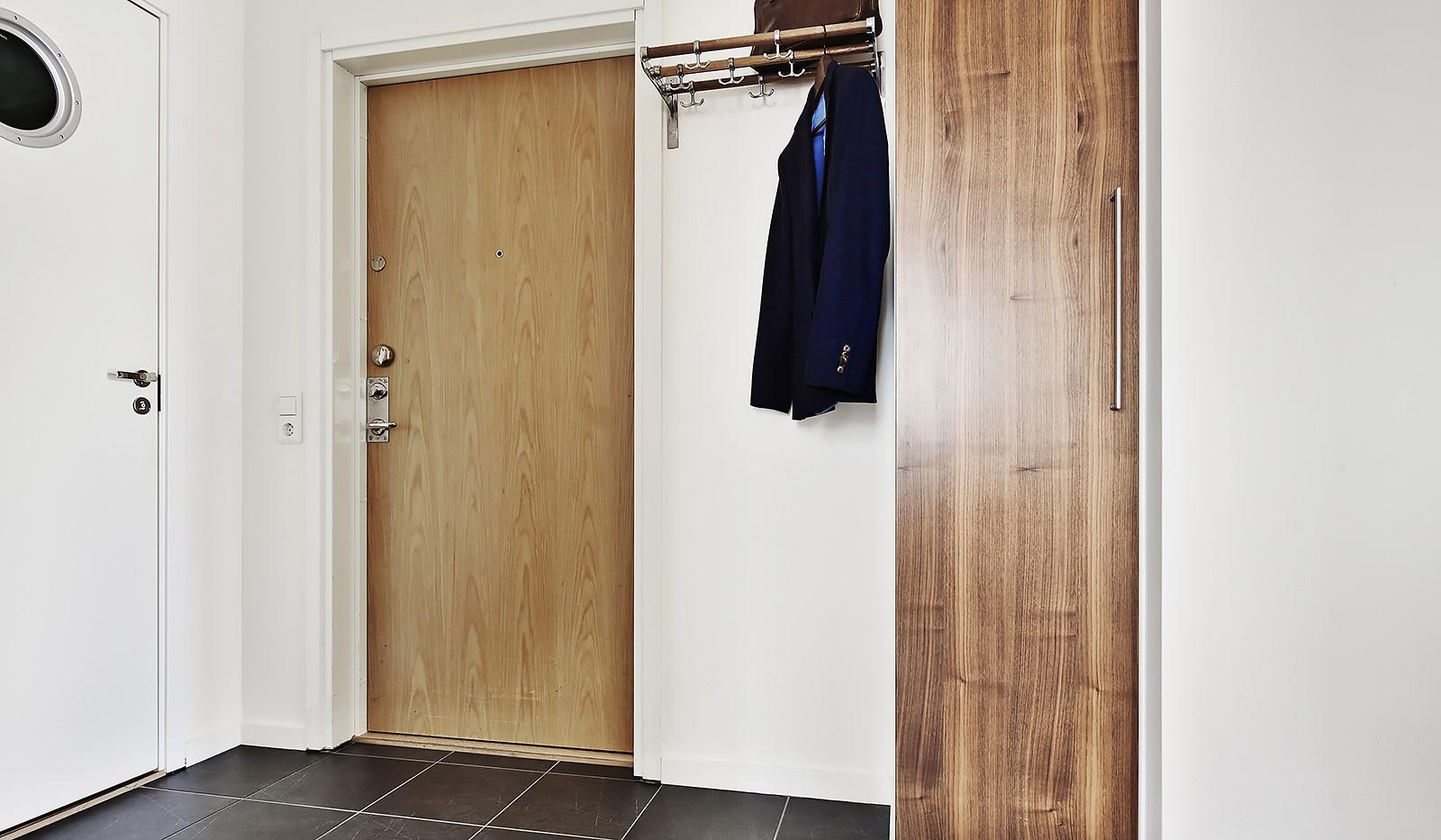 Vingårdsgatan 7, 6/7 tr - Hall mot Gäst-WC