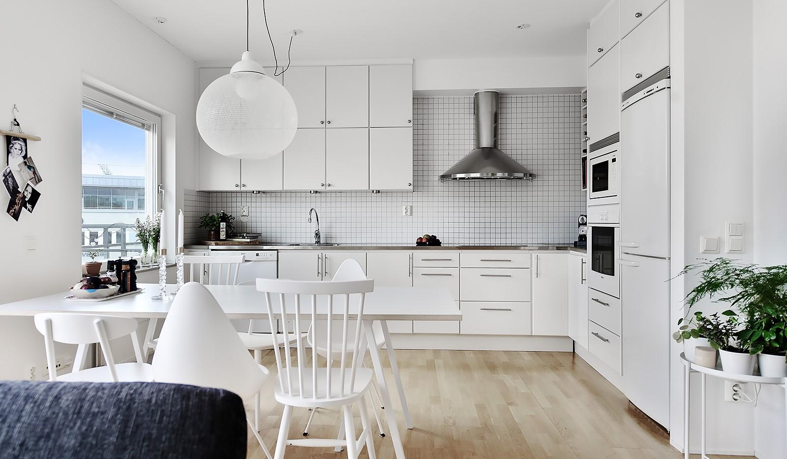 Vingårdsgatan 46, 6/6 tr - Vinkel kök med bra arbetsytor