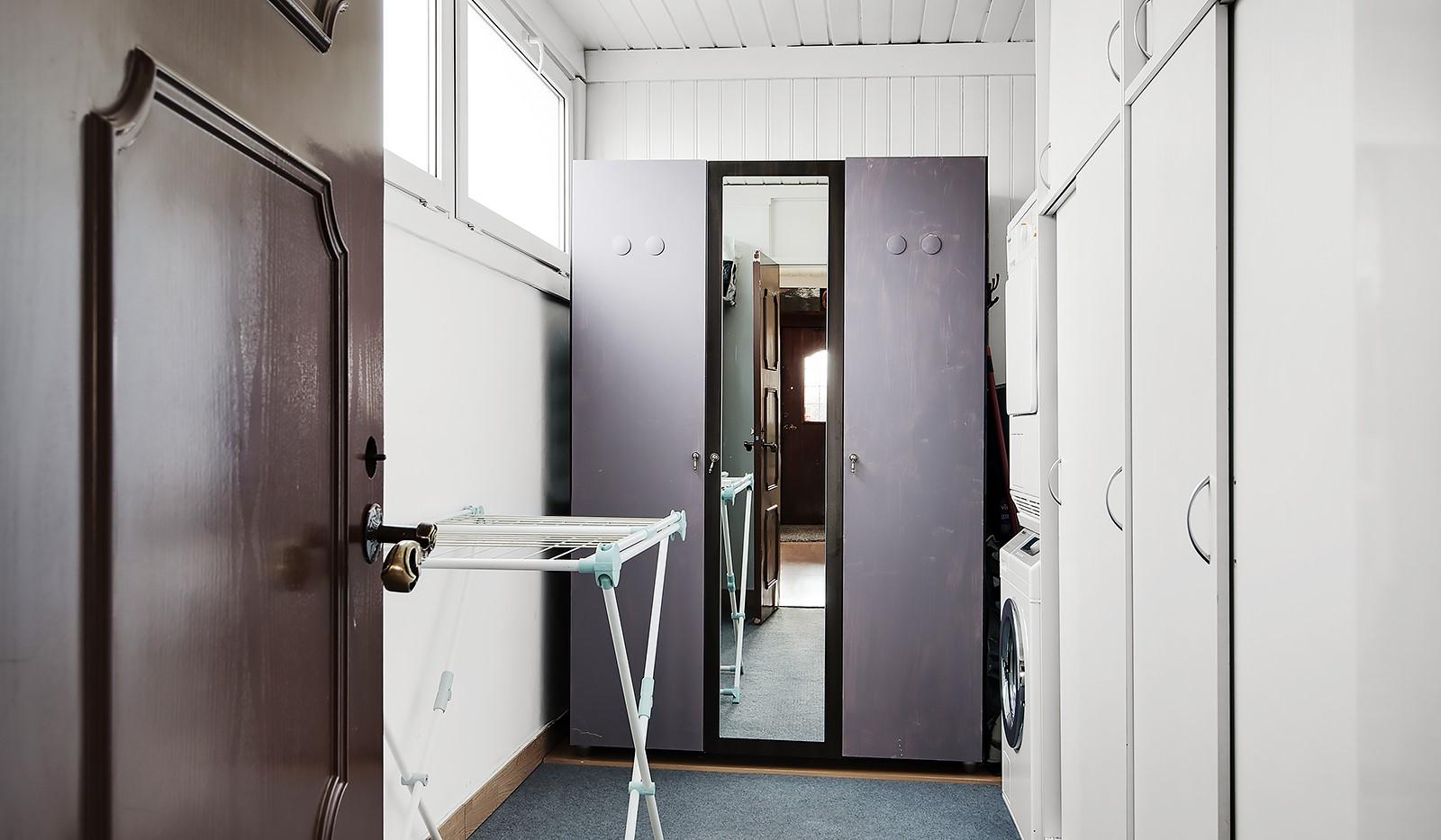 Bägarvägen 1 - Förråd med garderober o tvättdel