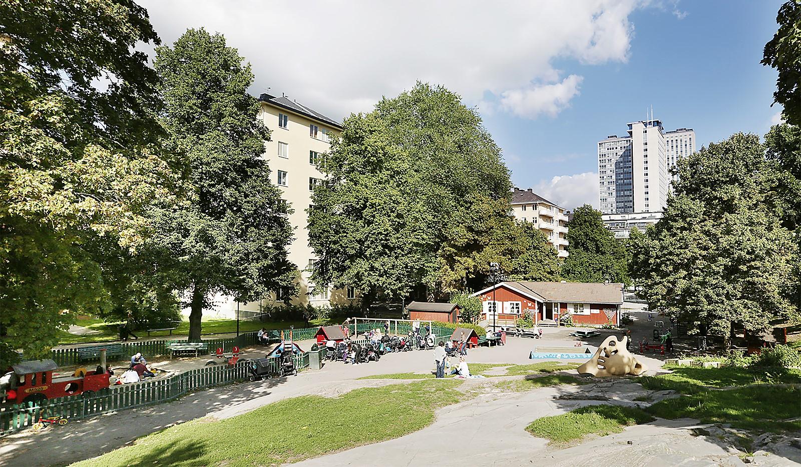 Åsögatan 106 - Rosenlundsparken även kallad Skånegläntan