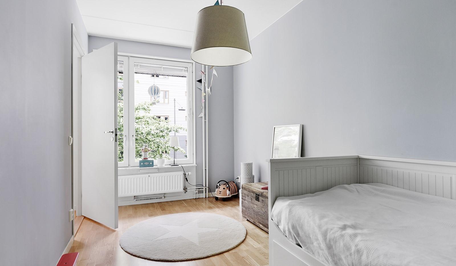 Sjöviksvägen 45, 2tr - Fint sovrum med tillhörande klädkammare