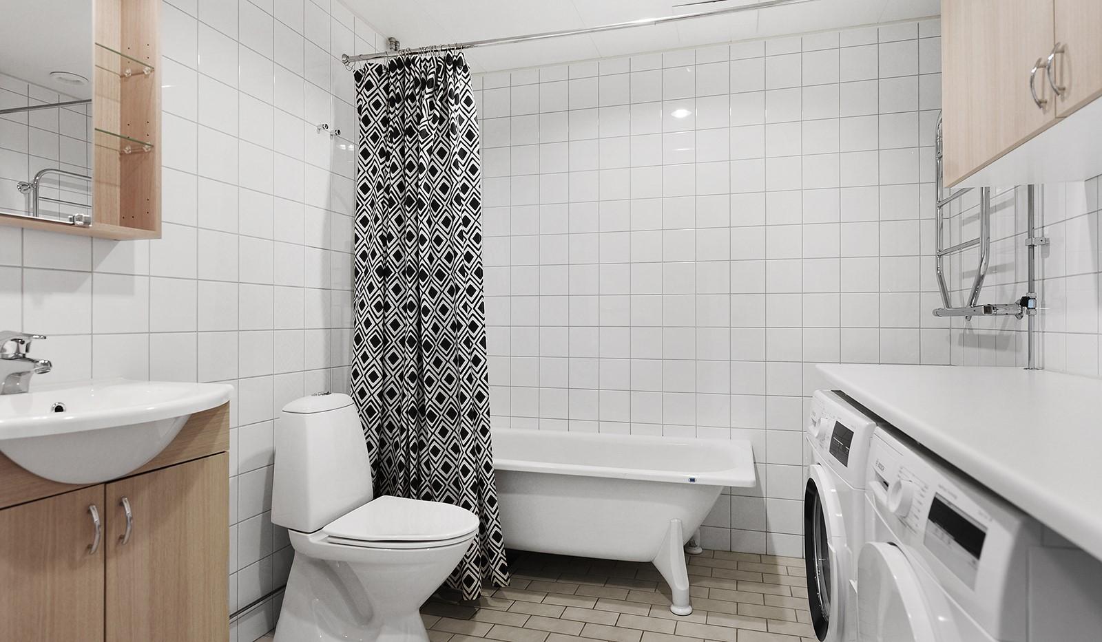 Sjöviksvägen 45, 2tr - Stort badrum med golvvärme