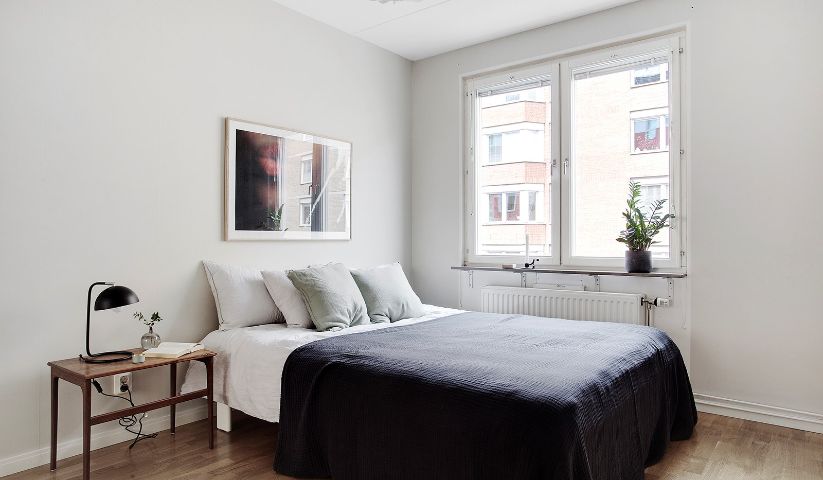 Åsögatan 106 - Sovrum 2 - ut mot Åsögatan.