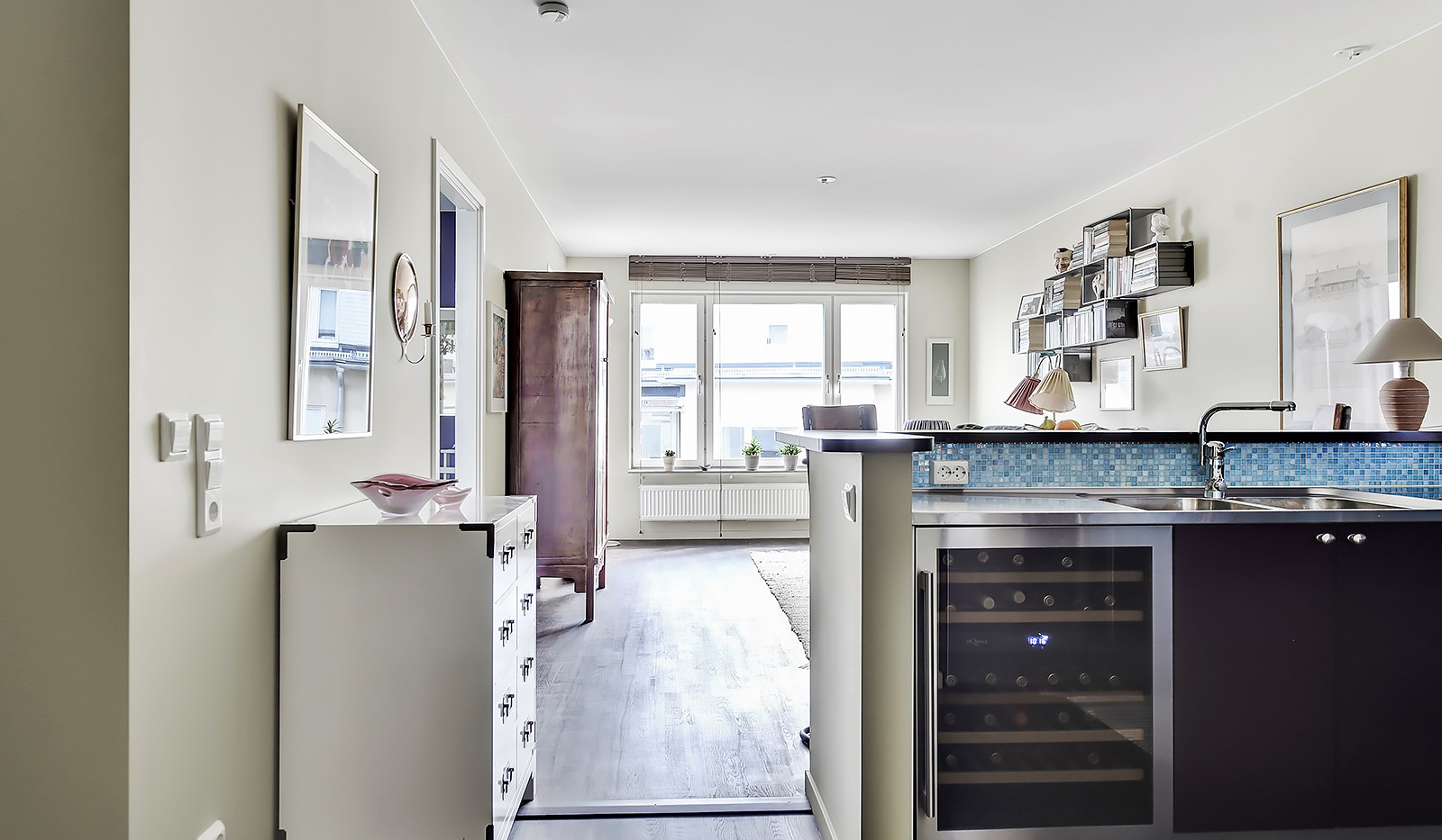 Hildebergsvägen 8, 5 tr - Köket utrustat med vinkyl