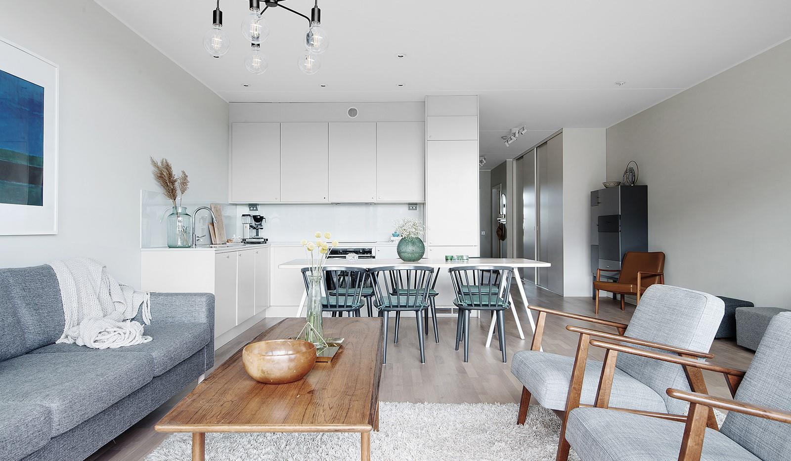 Liljeholmsvägen 12, 6tr - Stort renoverat kök med bra arbetsytor och förvaring