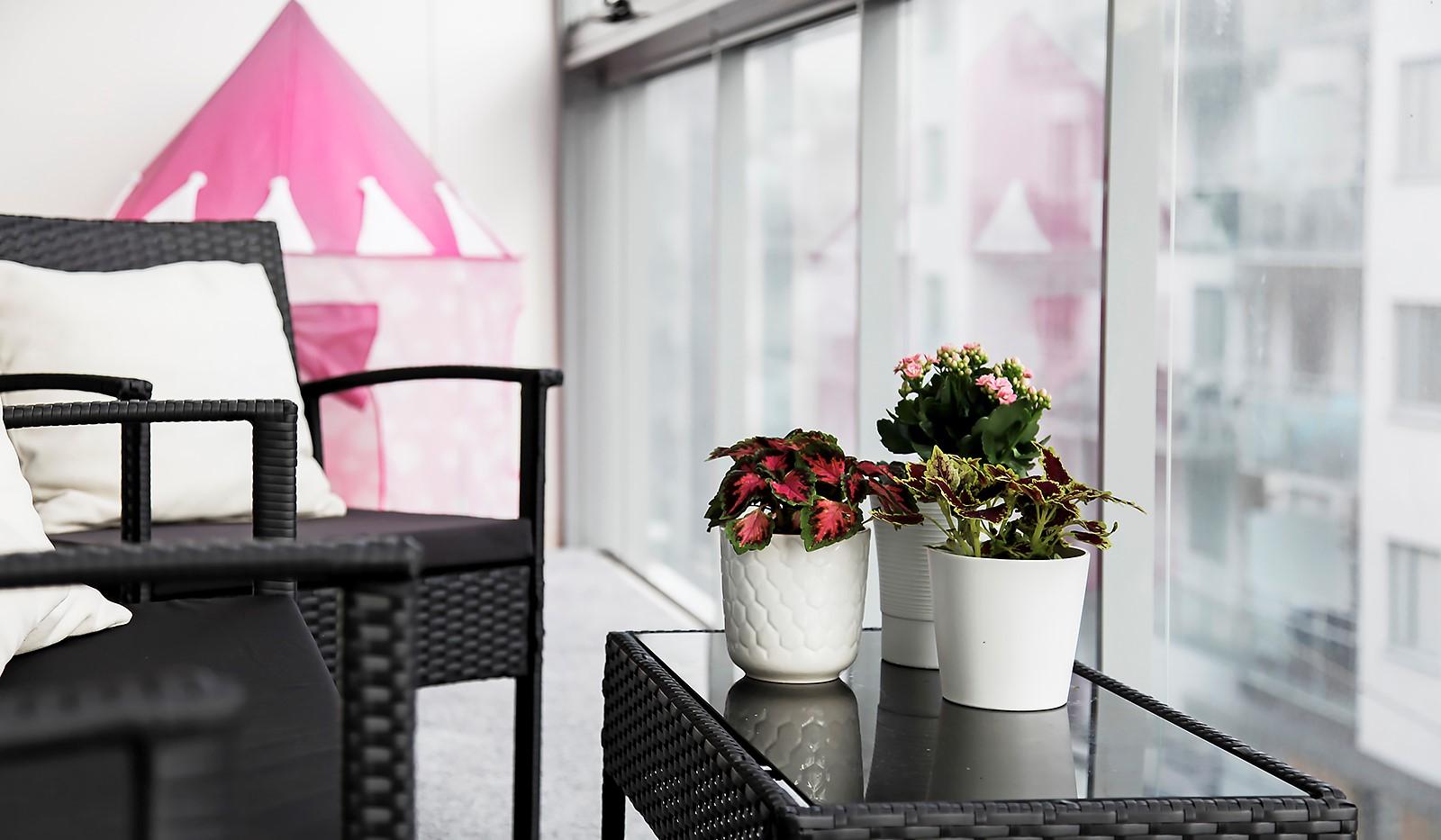 Hammarby Allé 15, vån 5 - Balkongen (21 kvm) blir en härlig förlängning av bostaden