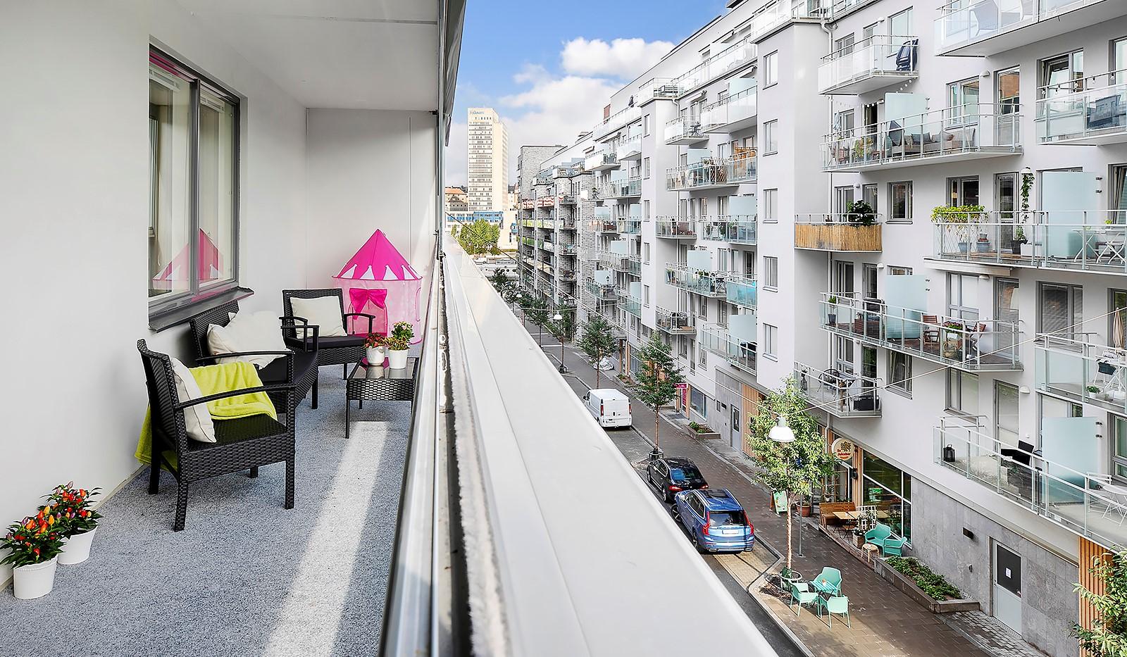 Hammarby Allé 15, vån 5 - Stor terrassliknande balkong om ca 21 kvm