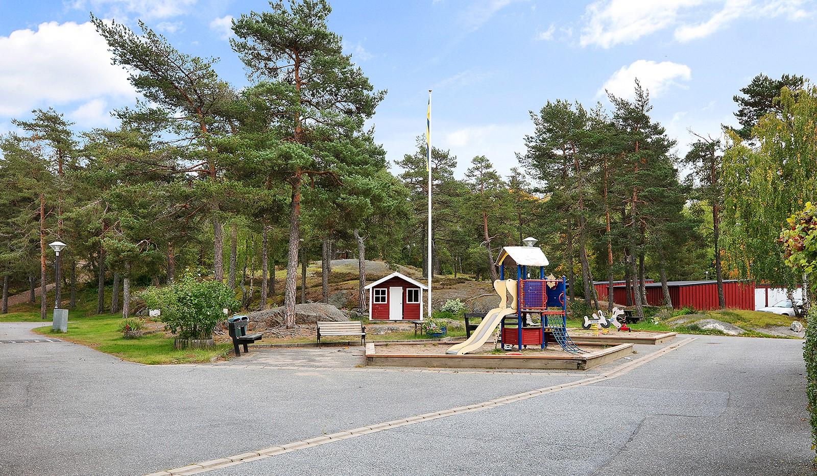 Hallundavägen 127 - Områdets lekplats
