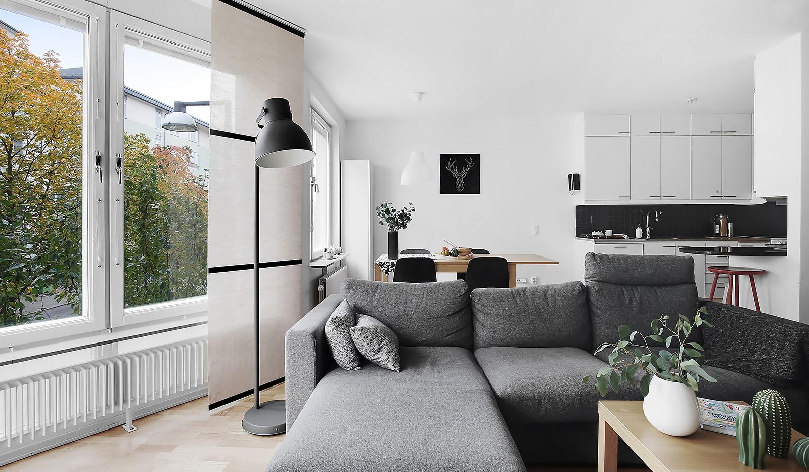 Korphoppsgatan 20 - Delvis öppen planlösning mellan vardagsrum och kök