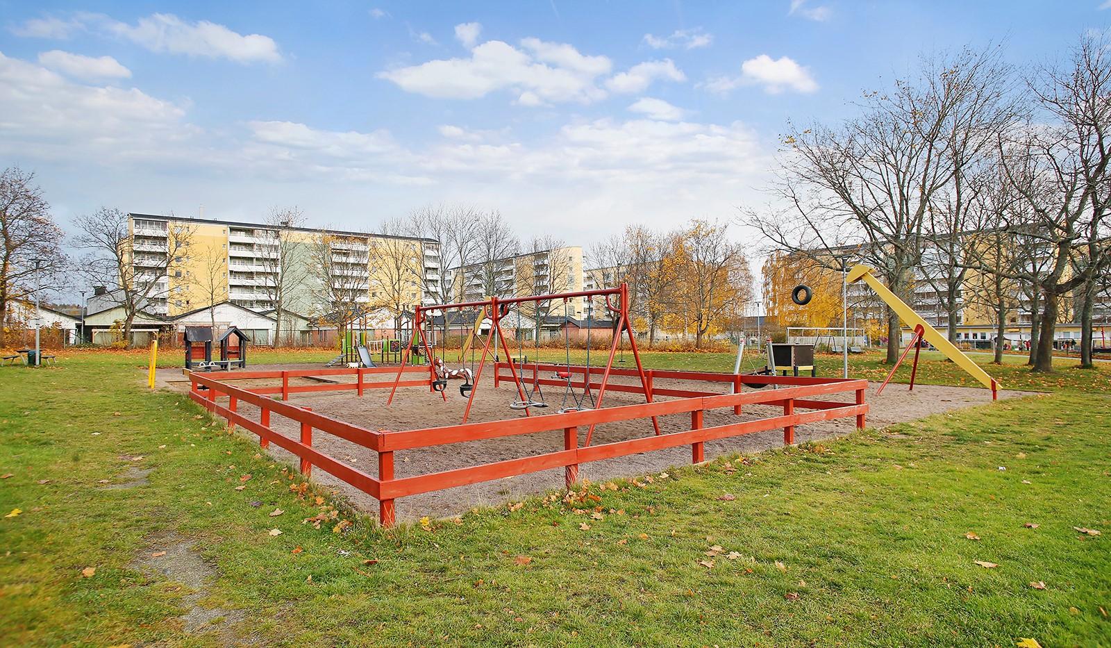 Hampvägen 2, 6tr - Lekplats i närområdet