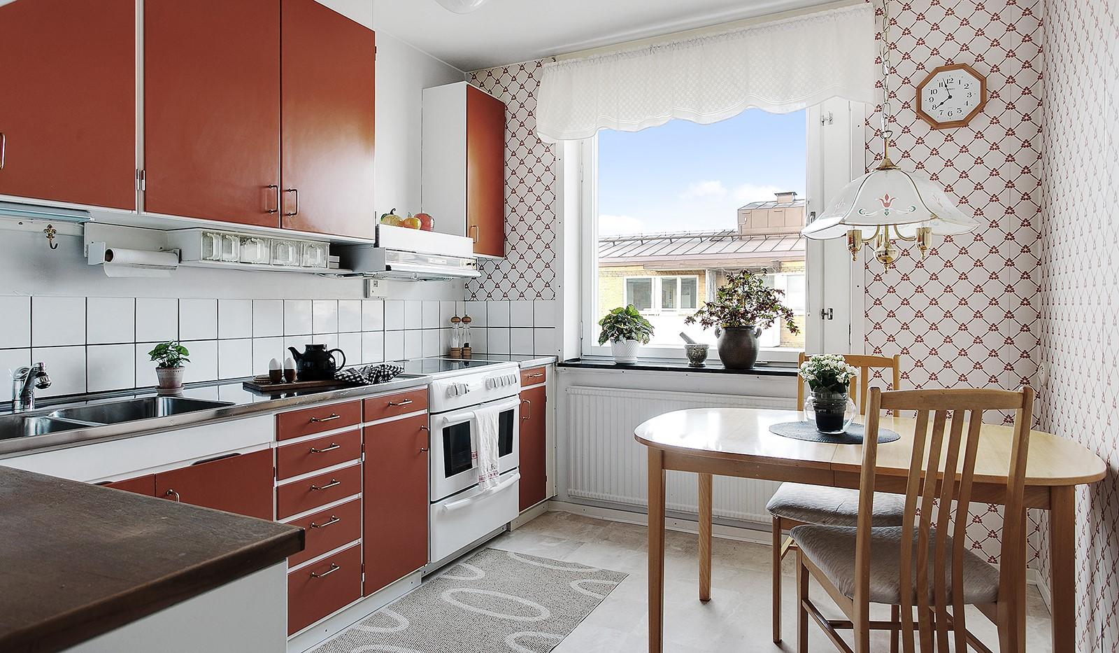 Bohusgatan 35, 5 tr - Kök med plats för matbord och stolar