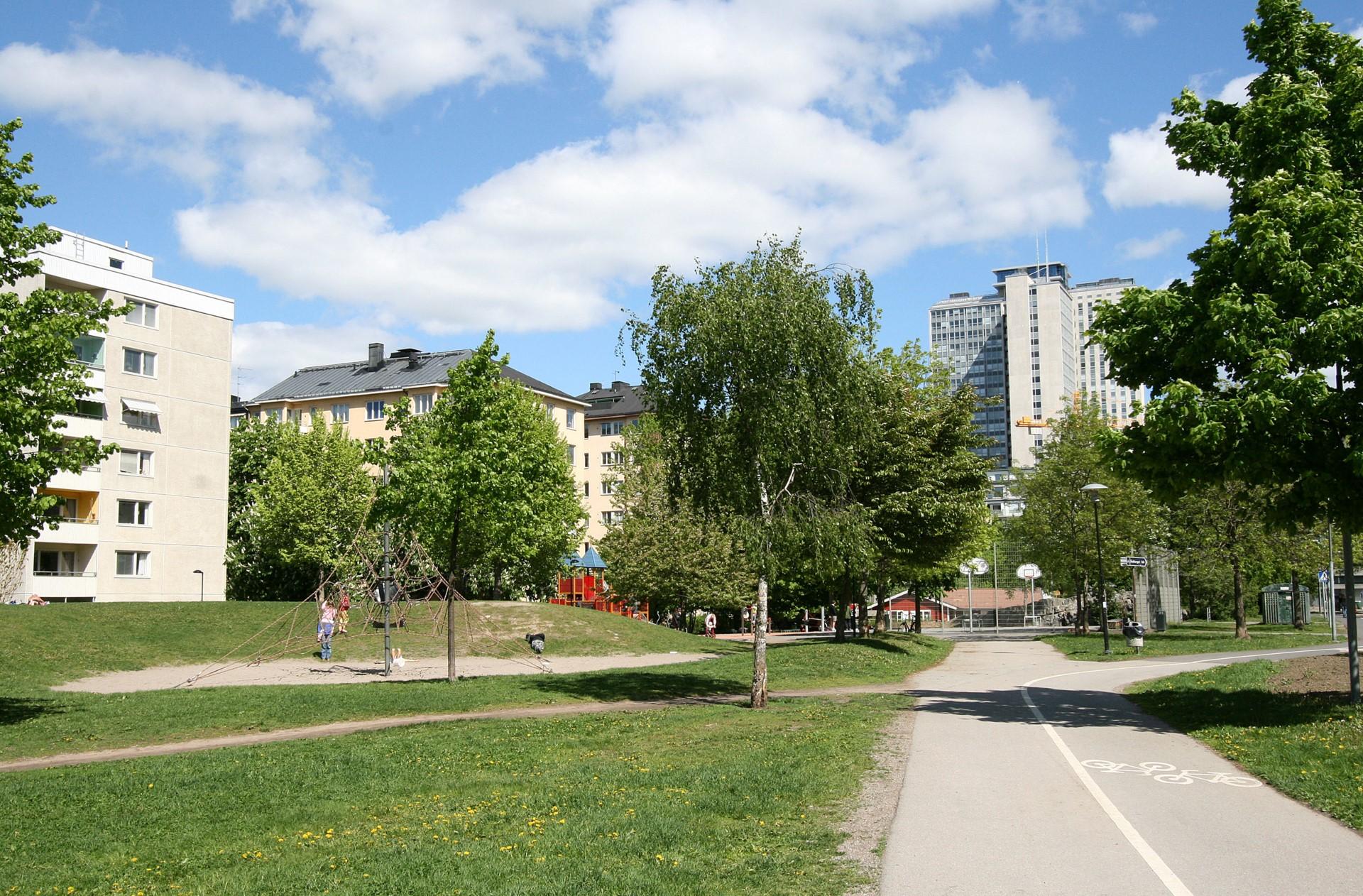 Ringvägen 66, 4 tr - rosenlundsparken sommar