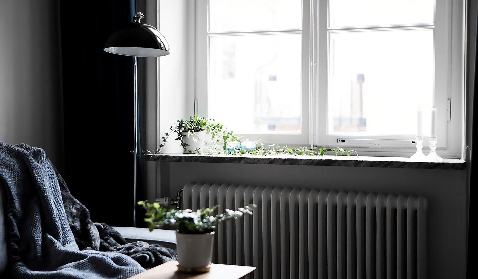 Högalidsgatan 36C, 3tr, ö.g. - Vackert spröjsat fönster med marmorerad fönsterbänk
