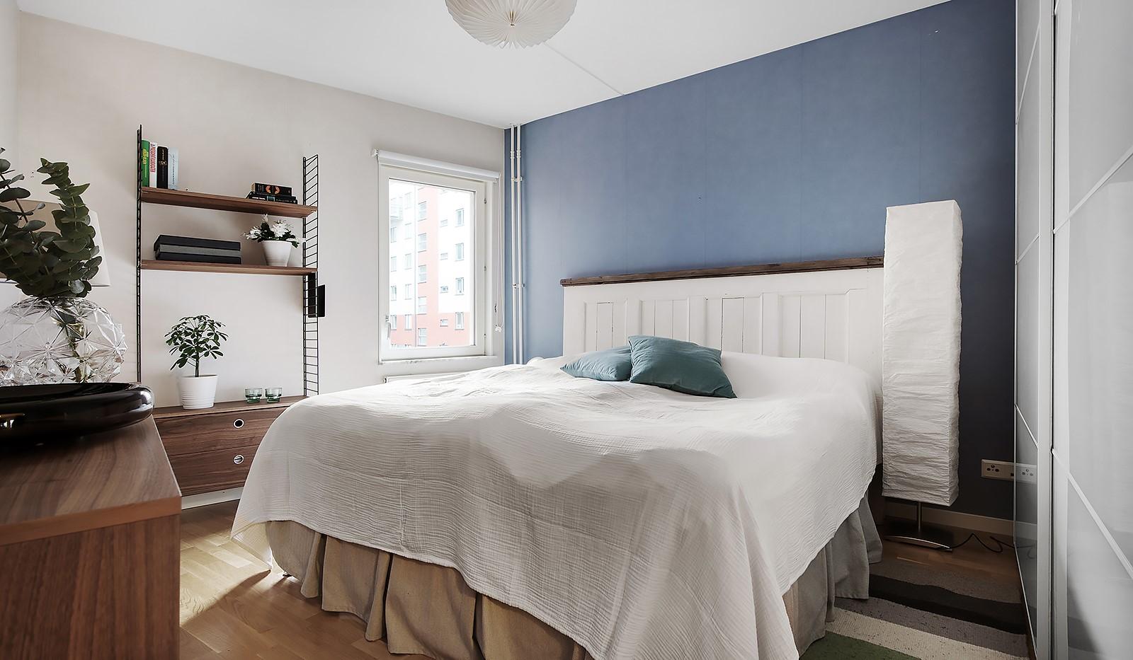 Vingårdsgatan 7 - sovrum med plats för dubbelsäng
