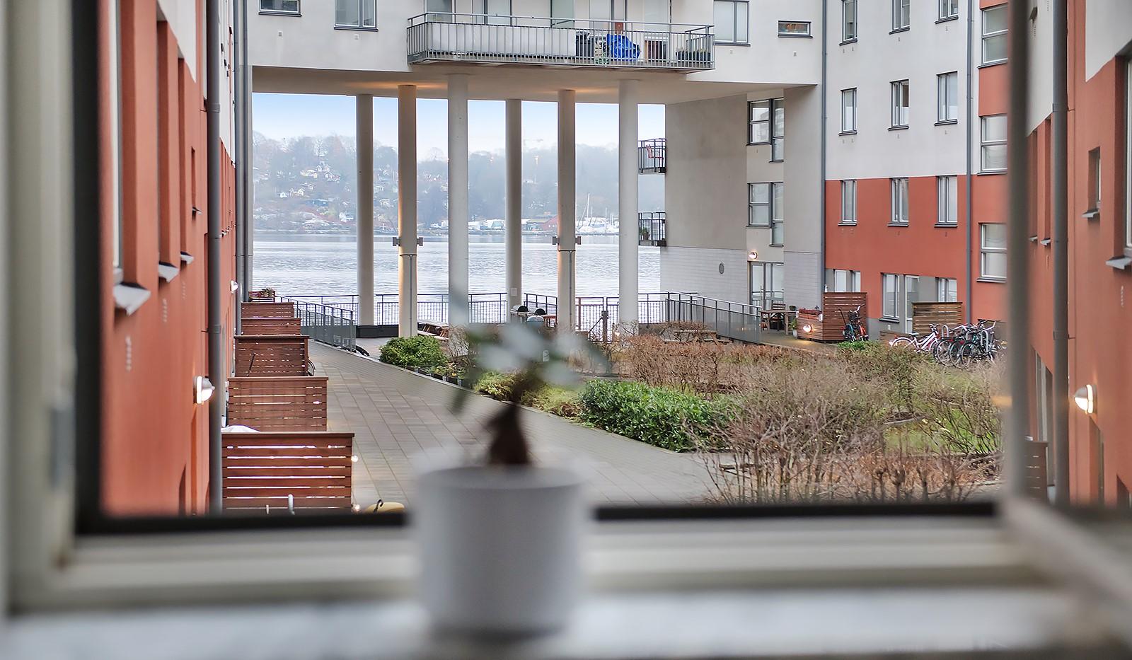 Vingårdsgatan 7 - utsikten från sovrummet