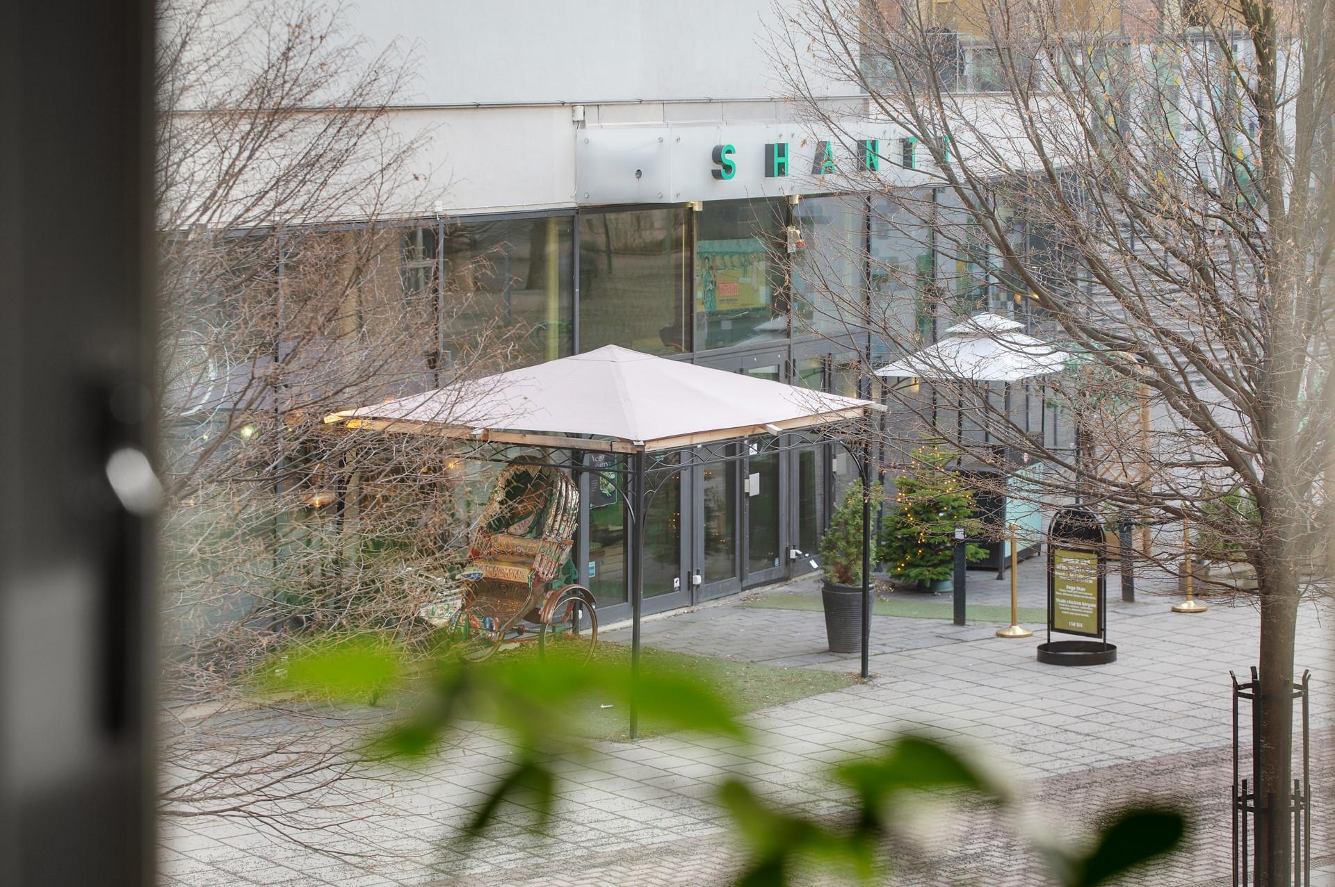 Fatburs Brunnsgata 31 - Utsikt från vardagsrum - Bo med närhet till bra restauranger
