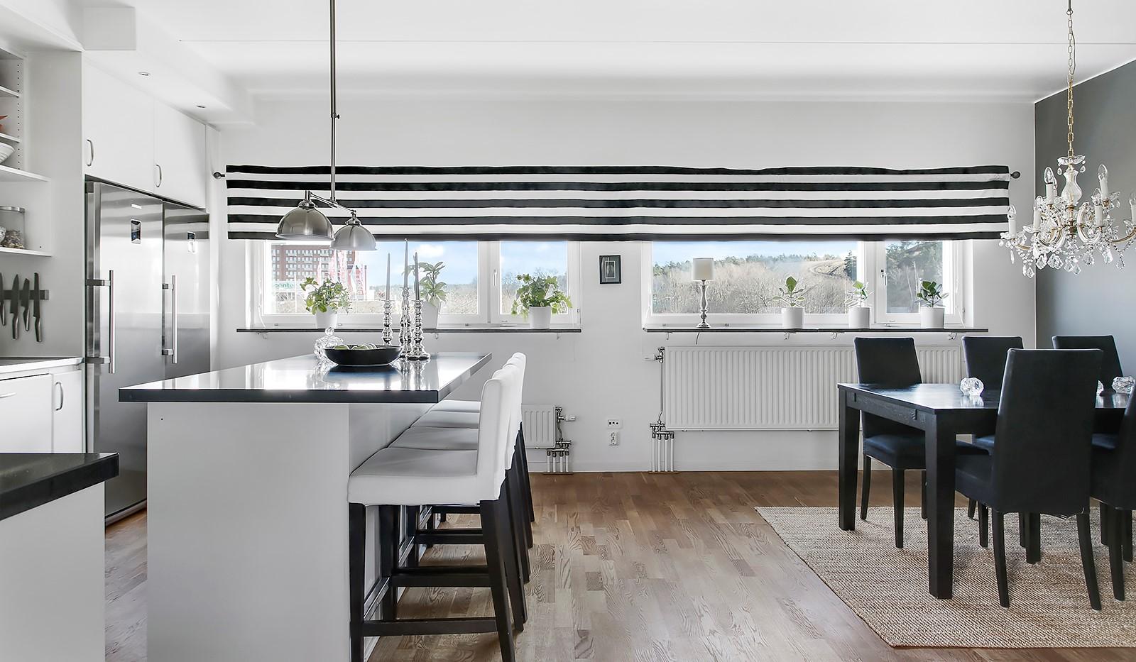 Sickla Kanalgata 64, vån 4 & 5 - Rymligt och stilrent kök