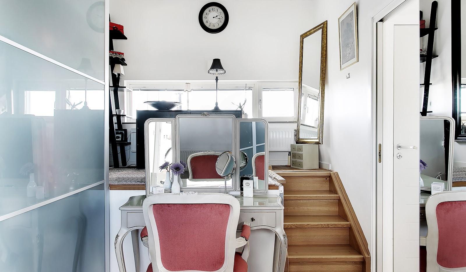 Sickla Kanalgata 64, vån 4 & 5 - I dagsläget används rummet som ett lyxigt dressingroom med två ordentliga garderober