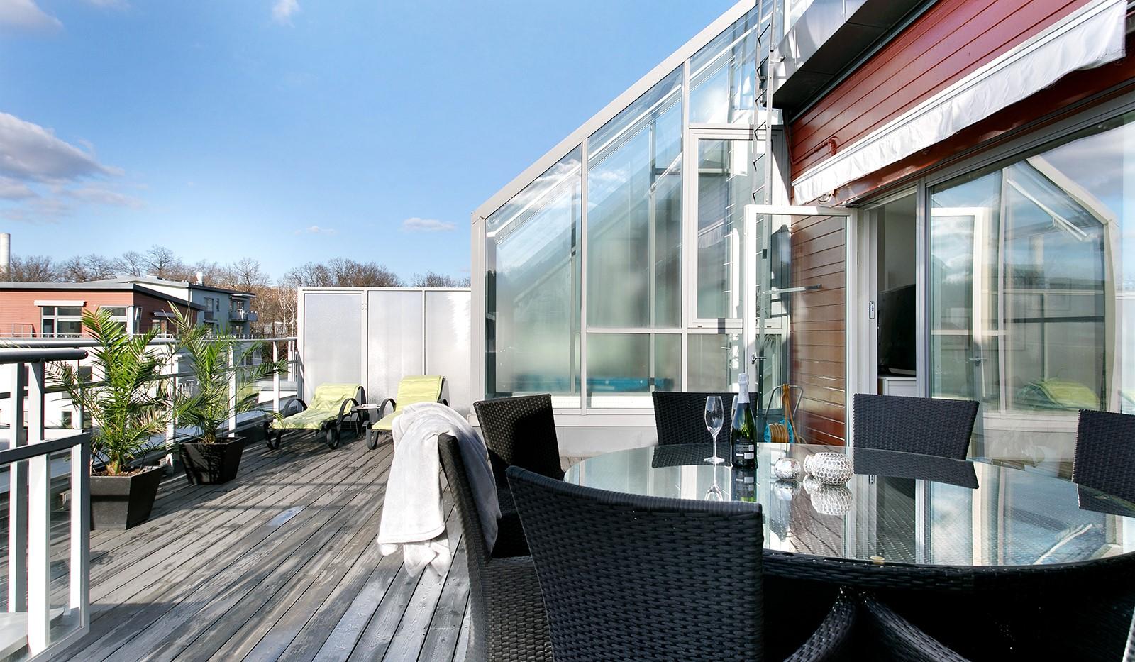 Sickla Kanalgata 64, vån 4 & 5 - Stor terrass om ca 45 kvm i soligt västerläge