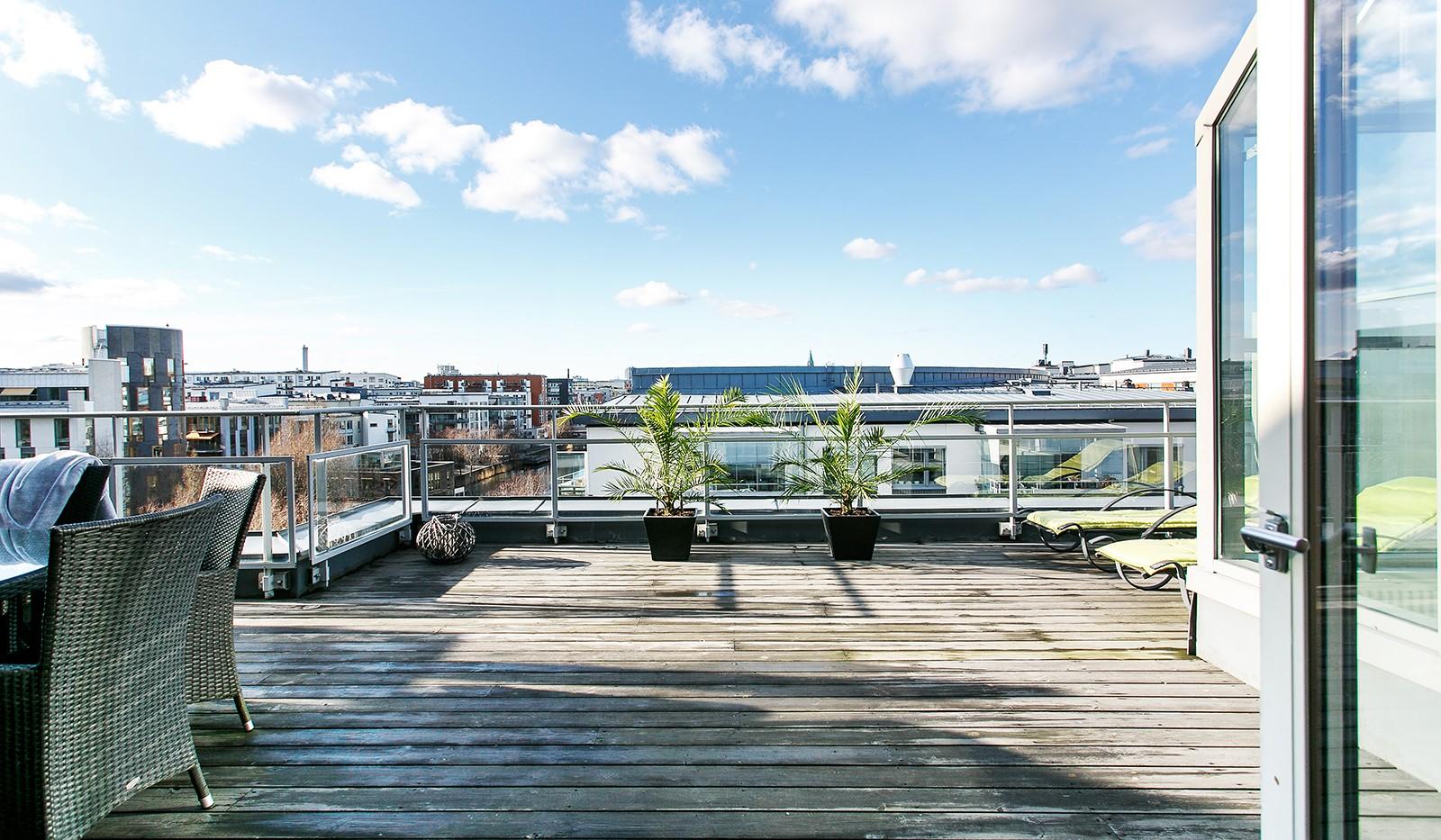 Sickla Kanalgata 64, vån 4 & 5 - Belägen högst upp i huset med ett fritt läge